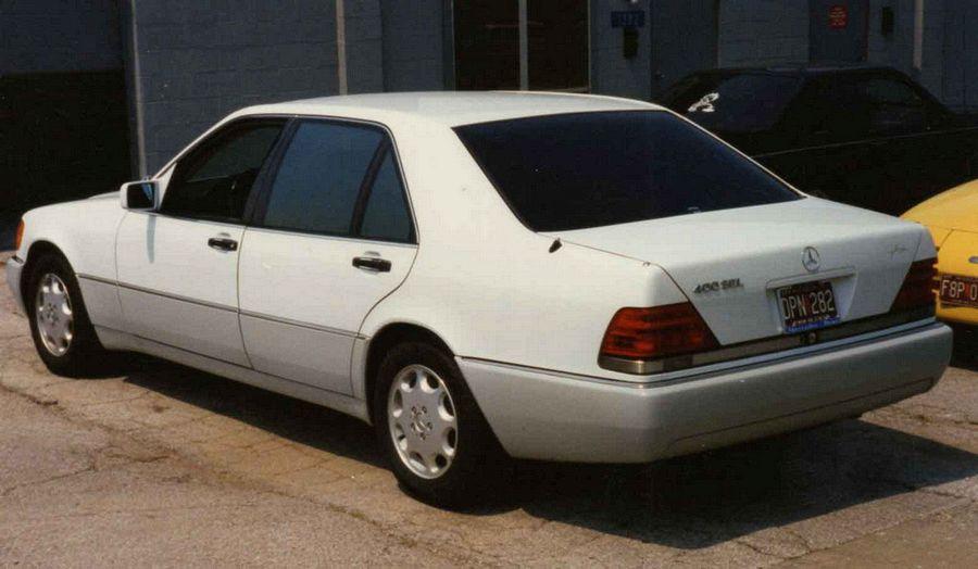 Mercedes SEL 400